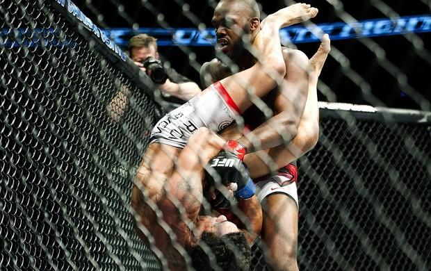 UFC 152 JOn jones e vitor belfort (Foto: Agência AP)
