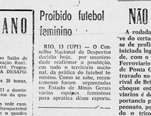 Jornal Correio do Paraná, 13/06/1959, fala da proibição do futebol feminino no Brasil pelo Conselho Nacional de Desportos (Foto: Correio do Paraná/Reprodução)
