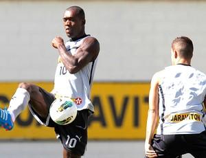 Seedorf no treino do Botafogo (Foto: Wagner Meier / Agif)