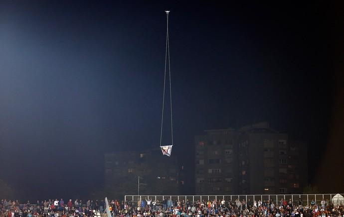 Droner, Servia X Albânia (Foto: Agência AP)