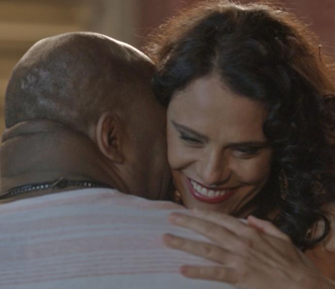 Rosângela abre o coração para Florisval (Foto: TV Globo)