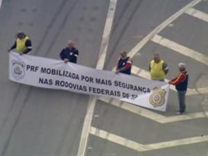 Policias pedem mais segurança em estradas (Foto: Reprodução/TV Globo)