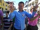 Candidato à reeleição, Neucimar Fraga vota em Vila Velha