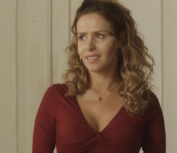 Gilda dá detalhes sobre Eliza (Foto: TV Globo)