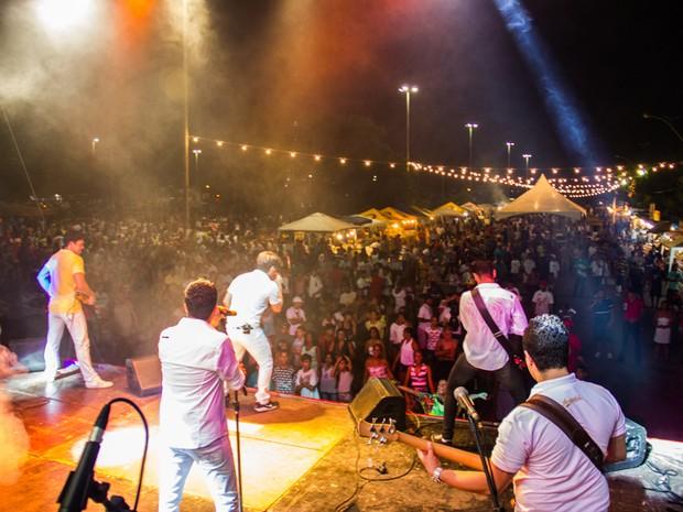 Benedito Bentes ofereceu show gratuito para cerca de 50 mil pessoas durante Réveillon. (Foto: Jonathan Lins/G1)
