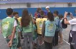 Gustavo Kuerten participa de encontro com mais de 500 crianças em Florianópolis