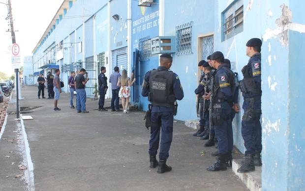 Sindicato e federações são despejadas do estádio Aluízio Ferreira (Foto: Renato Pereira)