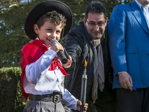Crianças participaram do Acendimento da Chama Crioula em General Câmara (Foto: Deivis Bueno/ Estampa da Tradição Fotografia)