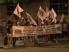Protesto em Fortaleza cobra rigor na aplicação da Lei Maria da Penha