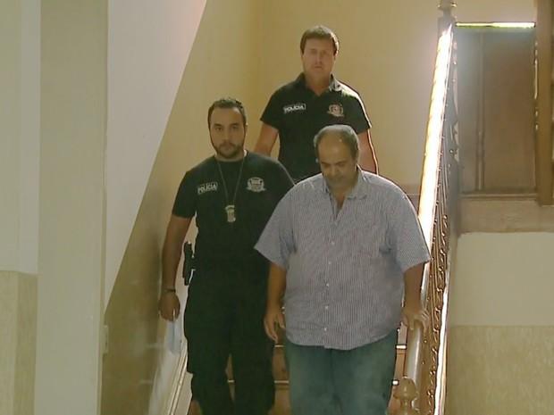 Presos por envolvimento no esquema de fraude na merenda prestam depoimento em Bebedouro (Foto: Antonio Luis/EPTV)