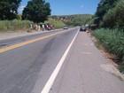 Em MG, condutor inabilitado invade a contramão, bate em moto e foge