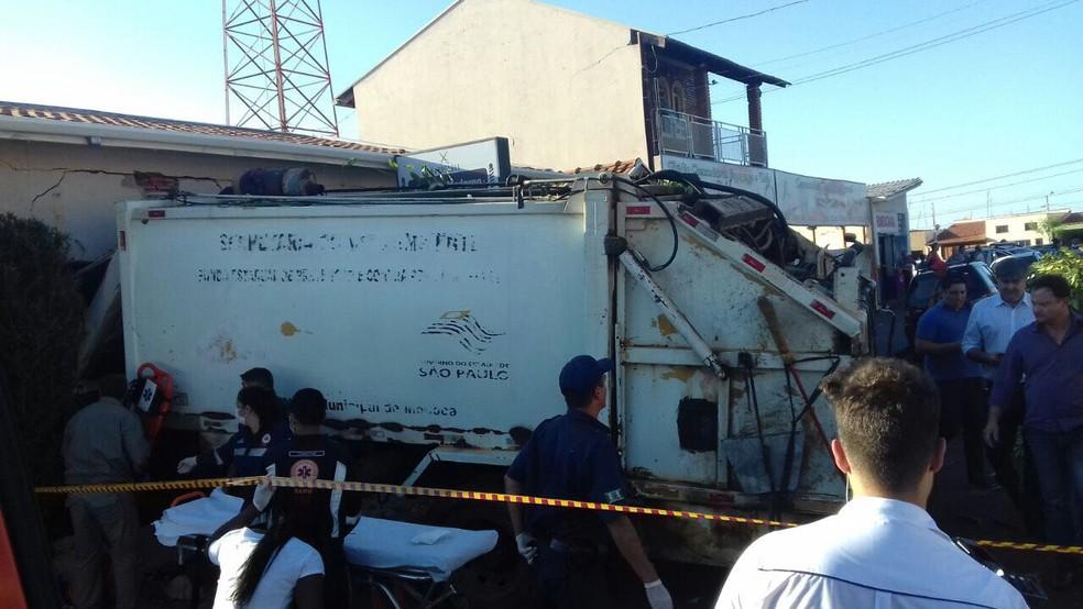 Acidente aconteceu na tarde desta sexta-feira (14) (Foto: Polícia Militar / divulgação)