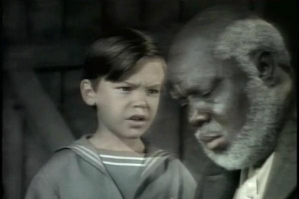 Bobby Driscol (1937-1968): Voz de Peter Pan na animação clássica da Disney de 1953, Driscol tinha 12 anos quando protagonizou 'A Canção do Sul'. Ele foi encontrado morto aos 31 anos em um apartamento em Nova York. Seus familiares só ficaram sabendo da morte dois anos depois. (Foto: Reprodução)