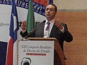 O advogado Luís Roberto Barroso faz conferência em congresso jurídico em Salvador (Foto: Rafaela Ribeiro / G1 BA)