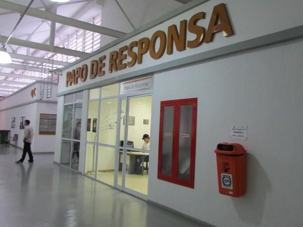 Sede do Papo de Responsa fica na Cidade da Polícia, na Zona Norte do Rio (Foto: Janaína Carvalho / G1)