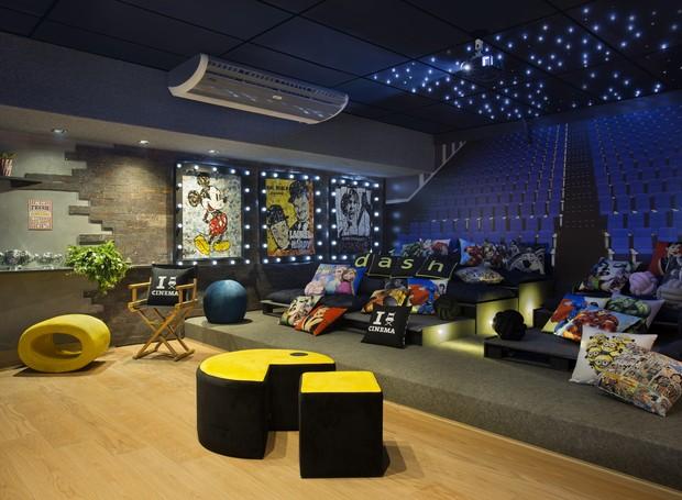A Cinemateca é um ambiente que pode ser adaptado dentro de casa. O lugar conta com materiais recicláveis de baixo custo. Foram também utilizados os mesmos produtos para diversas finalidades, propondo novos usos. Projeto de Natália Veronezi e Marlon Branco (Foto: Divulgação)