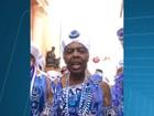 Após desfile dos Filhos de Gandhy, Gil relaxa em camarote na Bahia