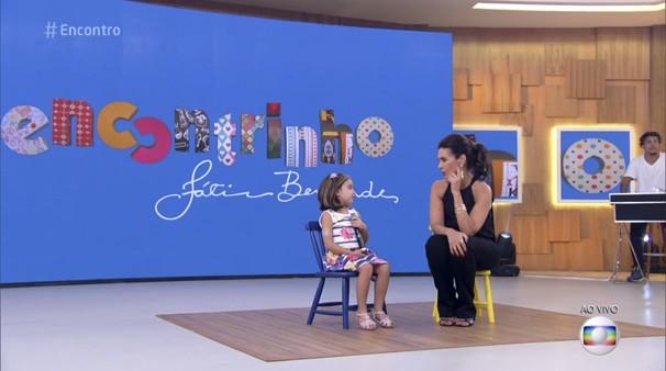 Raquel foi entrevistada por Fátima Bernardes no programa Encontro (Foto: Reprodução/ Rede Globo)
