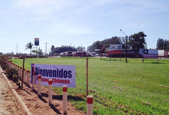 Faixa dá as boas vindas aos caravaneiros em Campo Grande (MS)