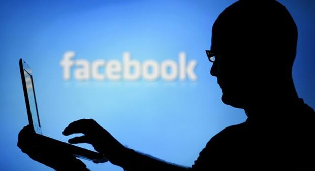 Experimento manipulou feed de notícias para verificar alterações no comportamento de usuários (Foto: BBC)