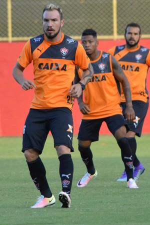 Willian Farias; Vitória (Foto: Francisco Galvão/EC Vitória/ Divulgação)