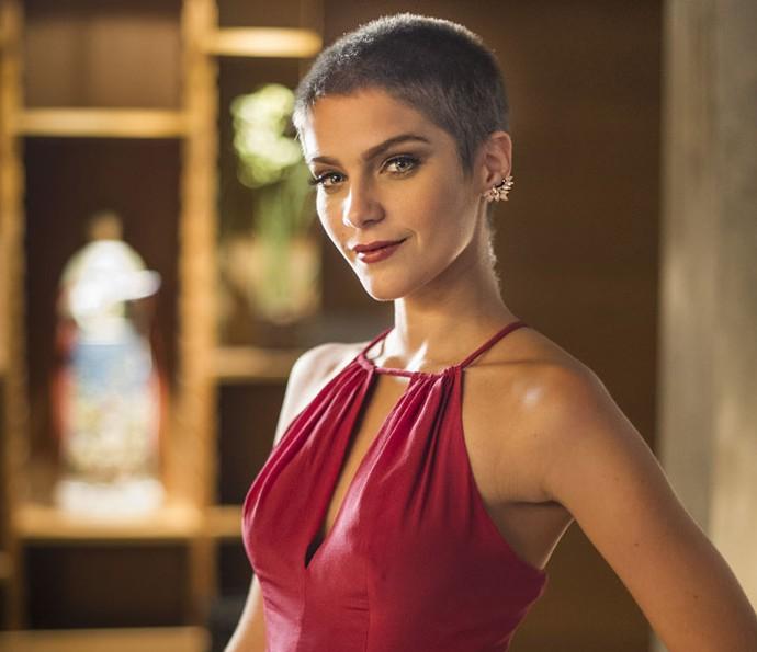 Isabella Santoni raspou a cabeça para viver Letícia em 'Haja Coração' (Foto: Estevam Avellar/Globo)