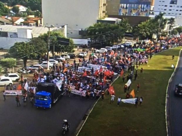 Servidores fizeram um ato na tarde desta terça-feira (31) em Cuiabá (Foto: Divulgação/Semob)
