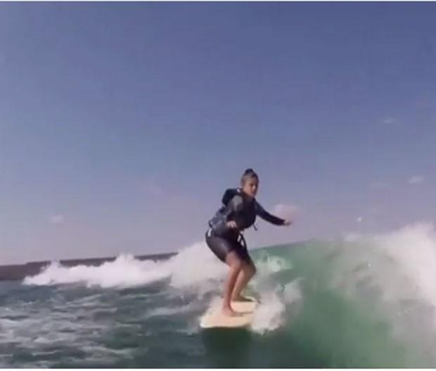 Aline: wakeboard em lago (Foto: Reprodução Instagram)