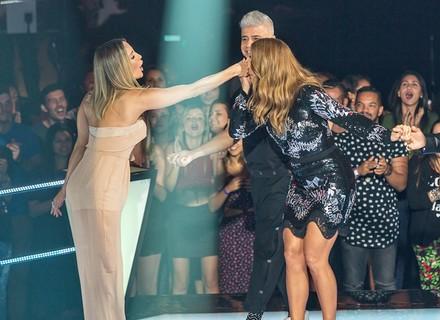 Ivete Sangalo é só elogios para Claudia Leitte nos bastidores do 'The Voice Brasil'