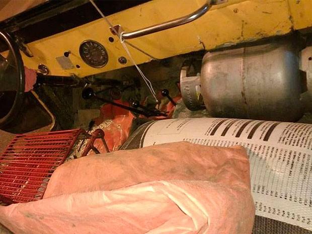 Carro era movido por gás de cozinha e tinha cadeira no lugar de banco (Foto: Divulgação/PFR)