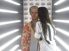 Será? Ex-BBB Mayla 'beija' Justin Bieber em festa pós-show no Rio
