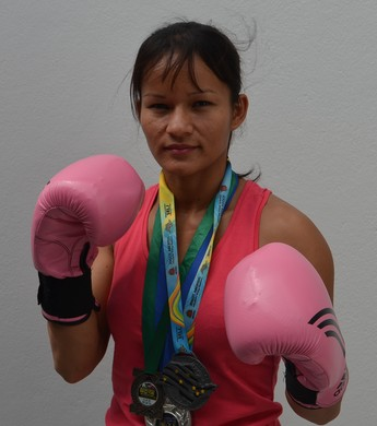 Boxeadora Sandra Ramos se prepara para o Brasileiro (Foto: Ivonisio Júnior)