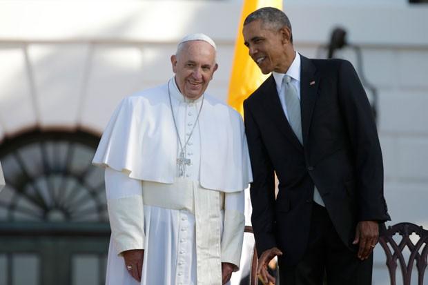 Papa Francisco é recebido pelo presidente dos EUa, Barack Obama, na Casa Branca nesta quarta-feira (23) (Foto: Pablo Martinez Monsivais/AP)