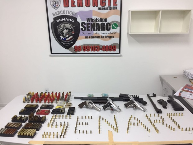Armas e munições ilegais foram apreendidas na casa do policial militar em São LUís (Foto: Divulgação/Polícia Civil)