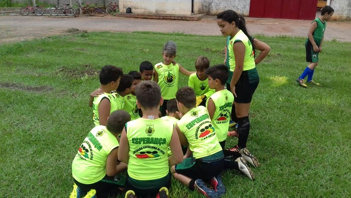 Escolinha Esperança abre inscrições em Espigão (Foto: Escolinha Esperança/ Divulgação )