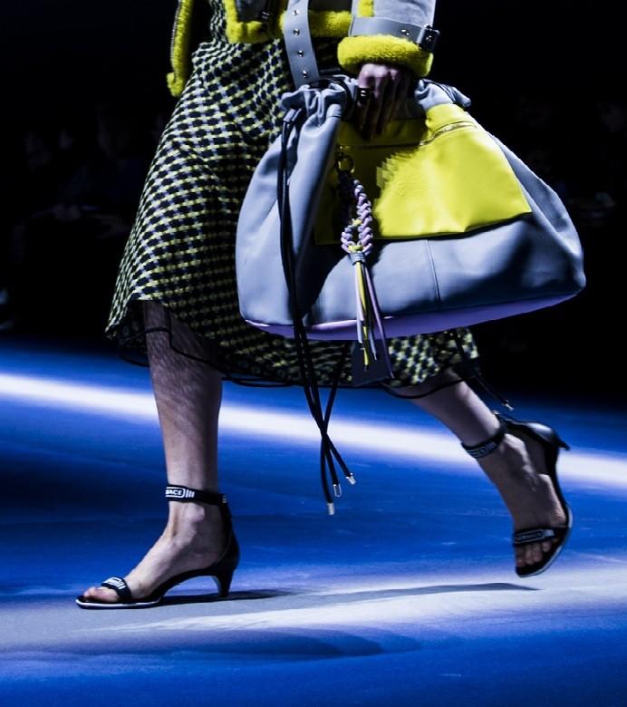 A versão esportiva e saco da Versace (Foto: getty images)