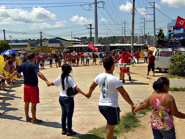 Protesto contra Temer ocorreu neste domingo em Manaus (Foto: Reprodução/TV Amazonas)