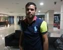 Rodrigo Alvim, que cobra R$ 5 mi do Fla na Justiça, visita ex-companheiros