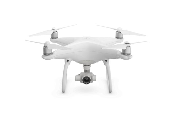 Phantom 4 pode ser visto como drone de entrada entre os modelos mais caros com pegada profissional (Foto: Divulgação/DJI)