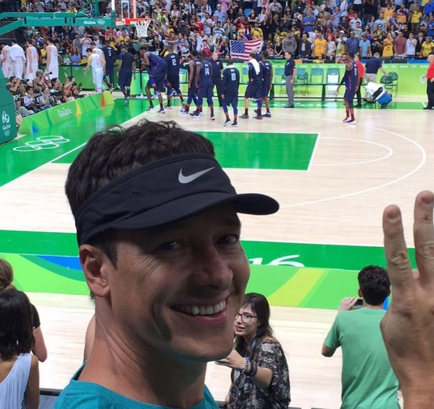 Rodrigo Faro em um jogo de basquete dos Estados Unidos na Rio 2016 (Foto: Reprodução/Instagram)