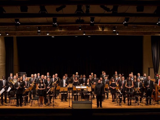 A Banda Sinfônica do Estado de São Paulo conta com a regência de Marcos Sadao Shirakawa (Foto: Secretaria de Cultura de São Paulo)