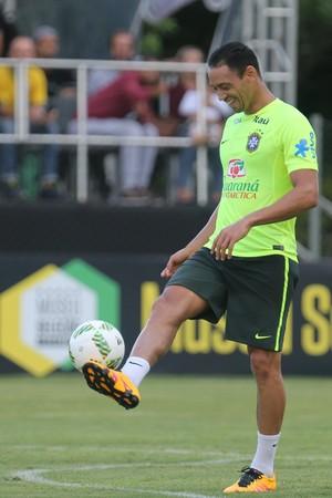 Prestes a fazer seu jogo 550, Ricardo Oliveira tem nova chance na Sele��o