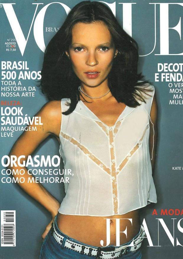 Kate Moss na Vogue Brasil de agosto de 1999 (Foto: Arquivo Vogue)