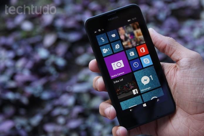 Nokia Lumia 630 tem sistema operacional Windows Phone 8.1 (Foto: Anna Kellen Bull/TechTudo) (Foto: Nokia Lumia 630 tem sistema operacional Windows Phone 8.1 (Foto: Anna Kellen Bull/TechTudo))