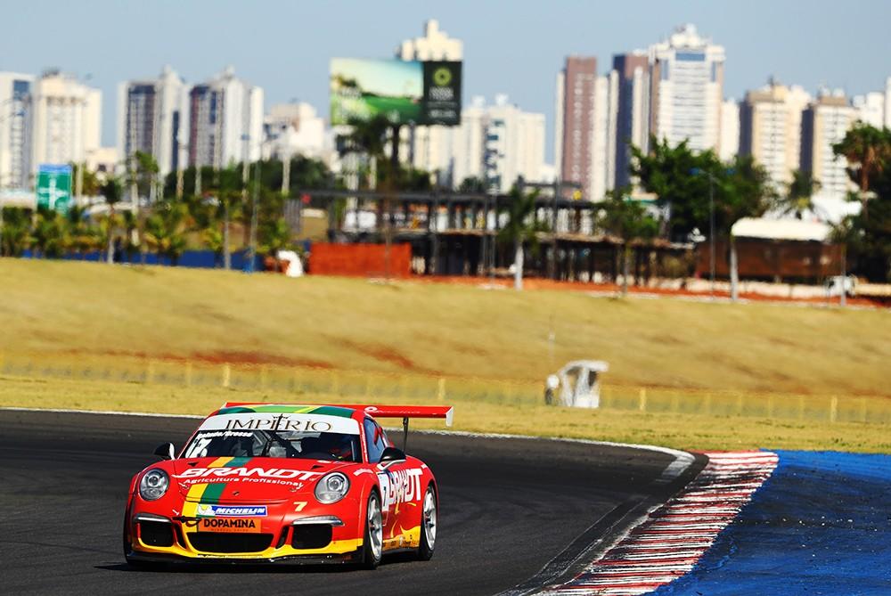 Miguel Paludo e Beto Gress em quinto na geral da Endurance e em primeiro no campeonato na categoria Endurance_Cup (Foto: Divulgação/Luca Bassani/Porsche Império GT3)