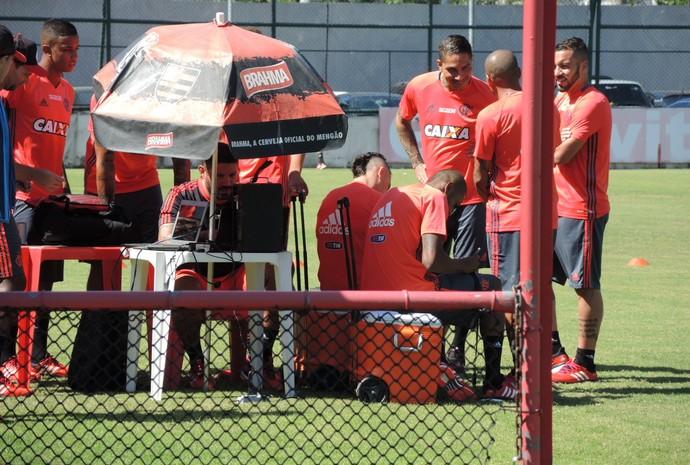 866e2e38ab  Torcida Flamengo  Com dois machucados e um atleta suspenso