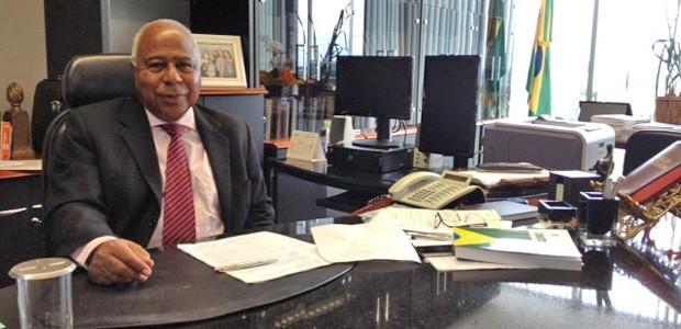 O ministro Carlos Alberto Reis de Paula, durante entrevista ao G1 em seu gabinete no TST (Foto: Fabiano Costa / G1)