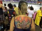 No ritmo da Rosas, tatuados exibem paixão por Corinthians, filhos e heróis