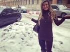 Em Paris, Andressa Urach se encanta com a neve