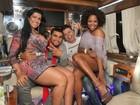 Moranguinho, Naldo, David Brazil e Bombom fazem festa em limousine